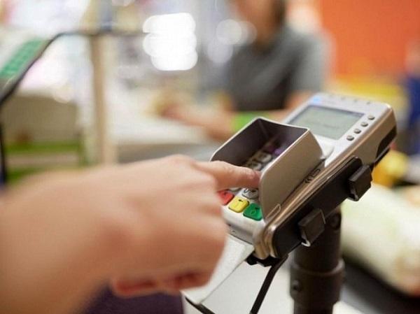 Скоро можно будет снять деньги с карты на кассе в магазине