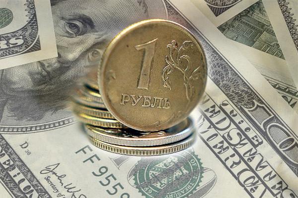 Эксперт: рубль вернется к своему справедливому курсу
