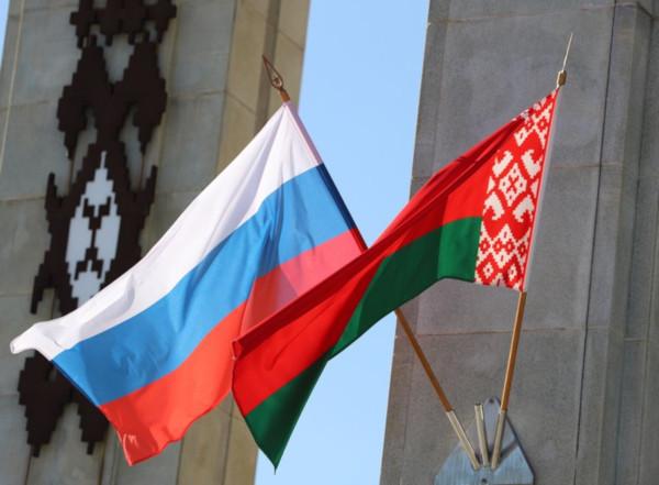 Россия будет поставлять нефть в Белоруссию без скидок