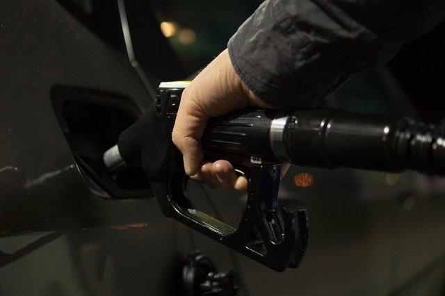 В 25 российских регионах зафиксирован рост цен на бензин