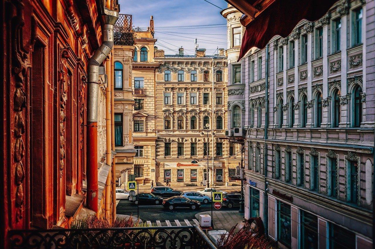 Доля свободных помещений в сфере уличной торговли Петербурга достигла рекорда
