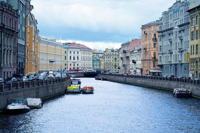 В 2020 году уровень загрузки петербургских отелей снизился в два раза