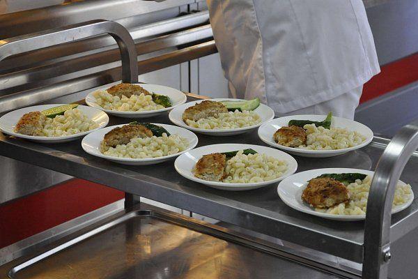 Бывший поставщик питания в школы Красноармейска рассказал о замалчивании администрацией города массового отравления