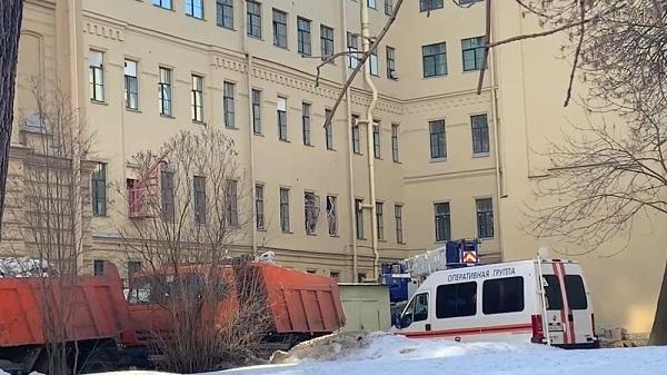 Власти назвали причину обрушения перекрытий в здании ИТМО