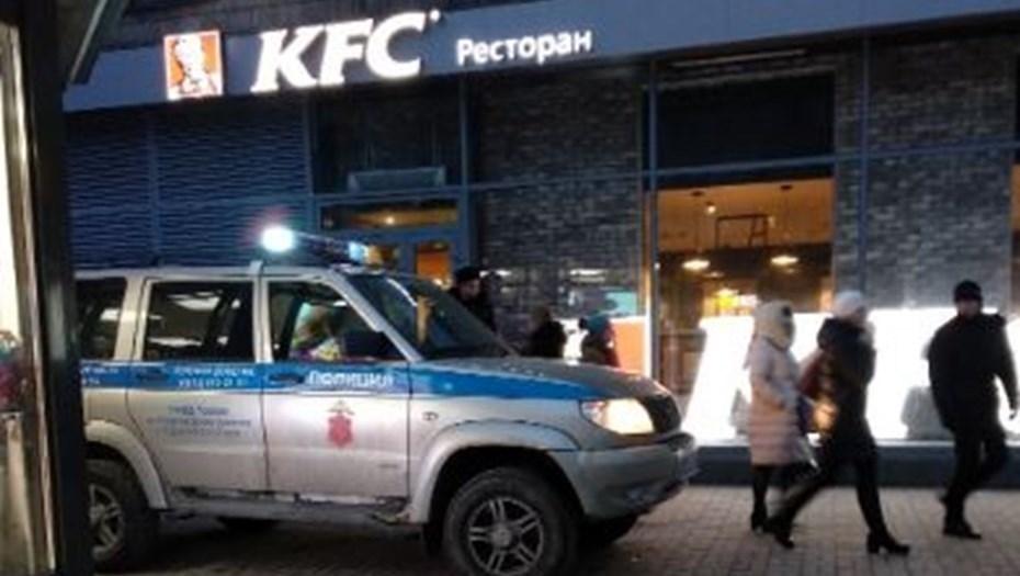 В Петербурге эвакуировали все рестораны KFC и McDonald's