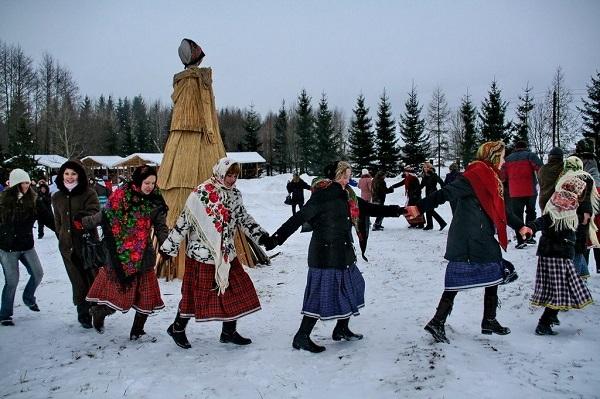 В Твери широко празднуют Масленицу