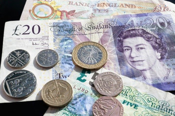 Банк Англии из-за коронавируса снизил процентную ставку до 0,25%