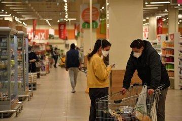 Россияне стали тратить меньше денег на большинство товаров