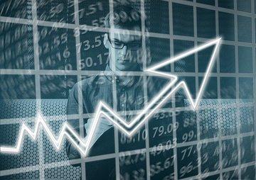Экономист Максим Орешкин предупредил о неизбежности кризисов в России