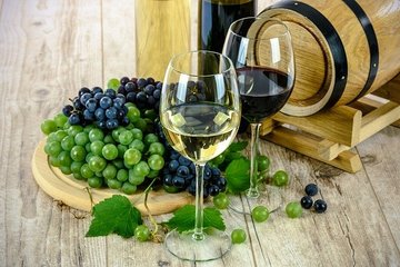 Экспорт французских вин в 2020 году упал почти на 14%